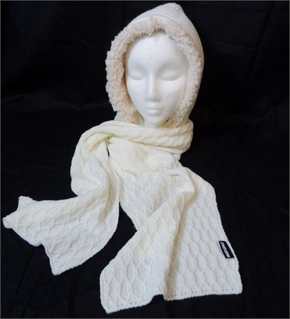 Mukluks Faux Sherpa Lined Hooded Knit Scarf in Cream (579)