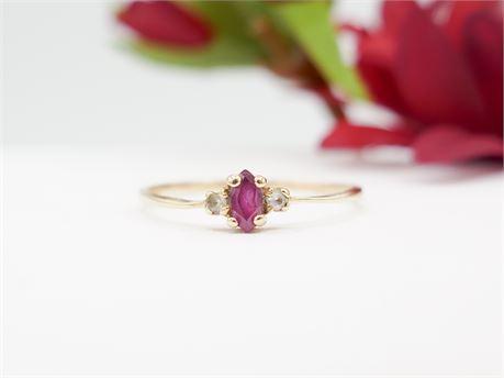 Vintage 10K Gold Pink/White Topaz Ring Size 6 Signed 'Tribute' (112)