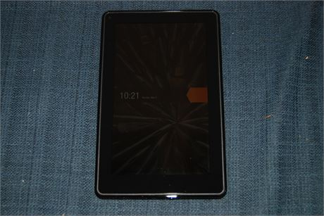 Kindle With Leather Case and Power Supply (500)