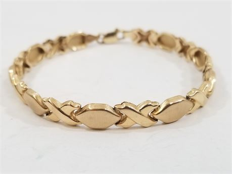 "10K Italy Yellow Gold XOXO 7"" Bracelet. 4.4 Grams Total Weight"