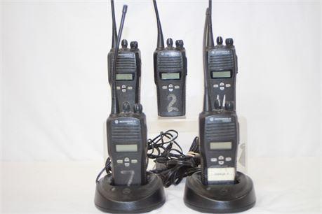 5 Motorolla 2 Way Radios Bundle CP200XLS